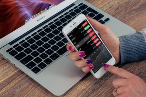 Are Robo-Advisors Worth Using? The Pros & Cons