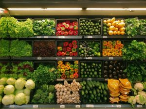 9 Tips to Save Money on Groceries (Like a Pro!)