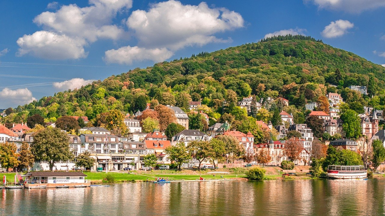 House Sitting Europe: See Breathtaking Sights on the Cheap